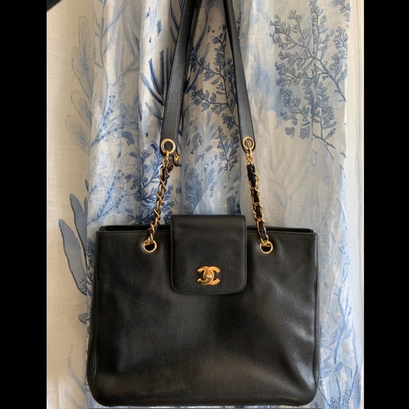 CHANEL Handbags - Chanel calfskin Vintage shoulder bag tote bag